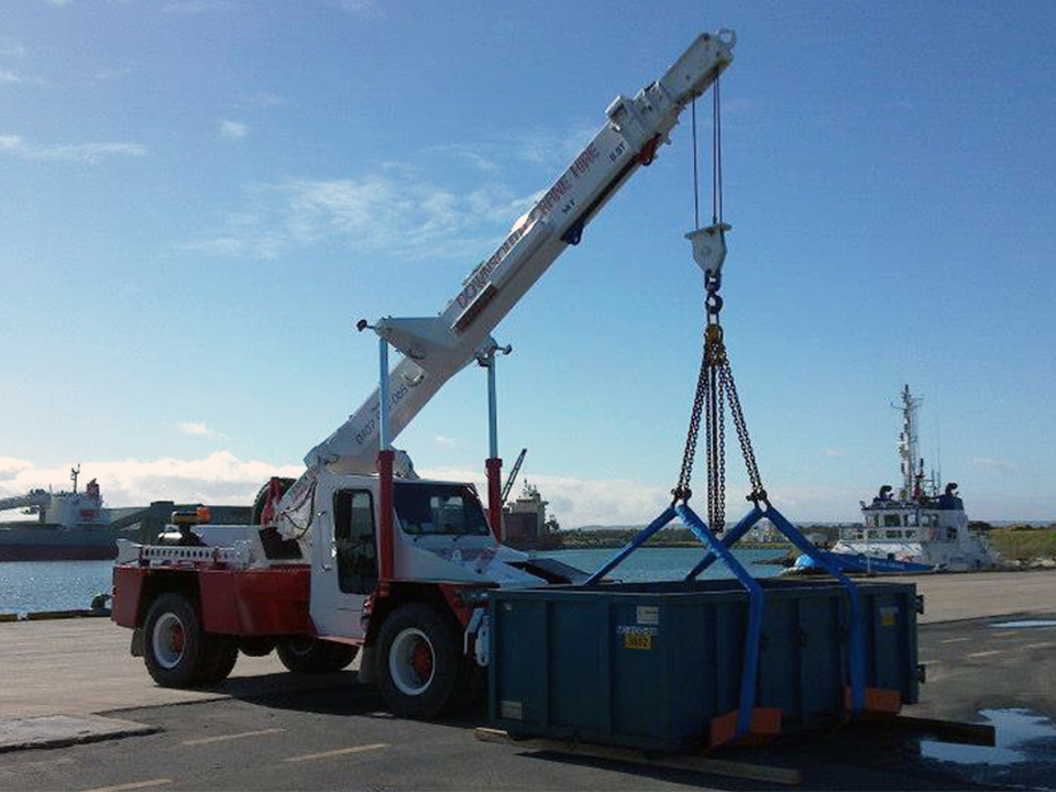 Clip Crane Hire - Bunbury, Busselton, Harvey, Mandurah, Margaret River, Southwest. Rigging Services